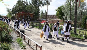 طالبان آزادی از زندان.jpg